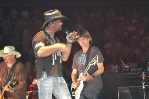 Tim McGraw, Pat Buchanan, Atlanta, July 2006